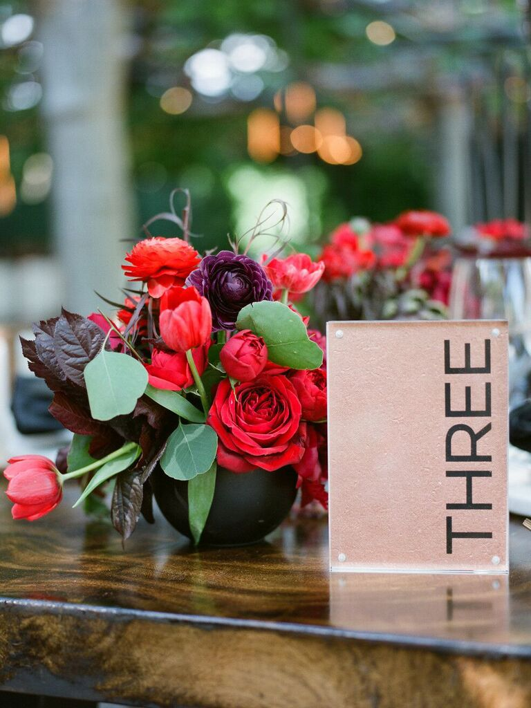 spring wedding centerpieces red and burgundy flowers