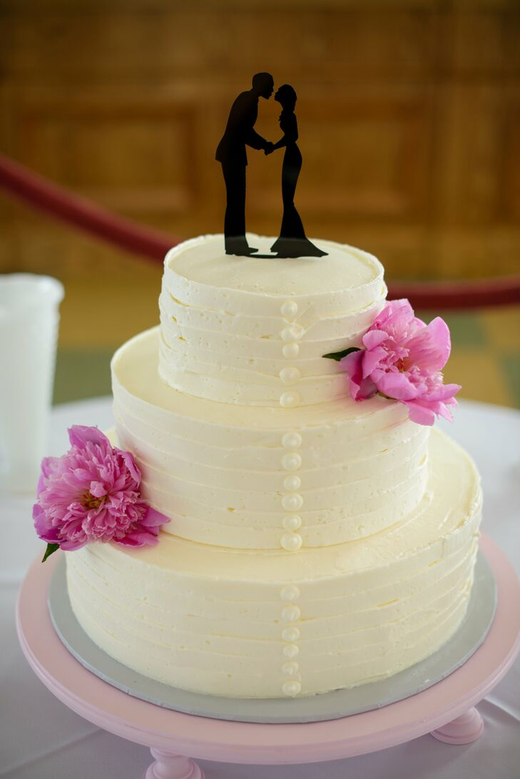White Buttercream Cake With Button Details