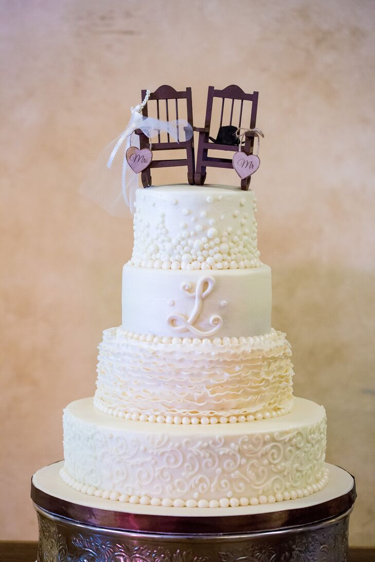 Fantastic White Detailed Wedding Cake With Rocking Chair Topper Gamerscity Chair Design For Home Gamerscityorg