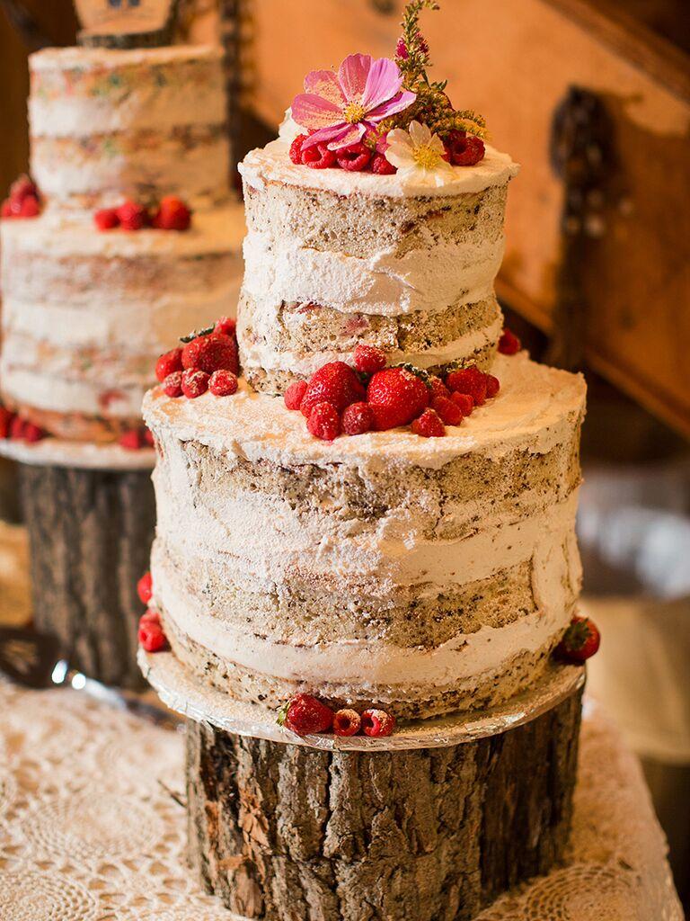 Rustic wedding cake ideas and inspiration natural rustic wedding cake with floral and berry decorations junglespirit Gallery