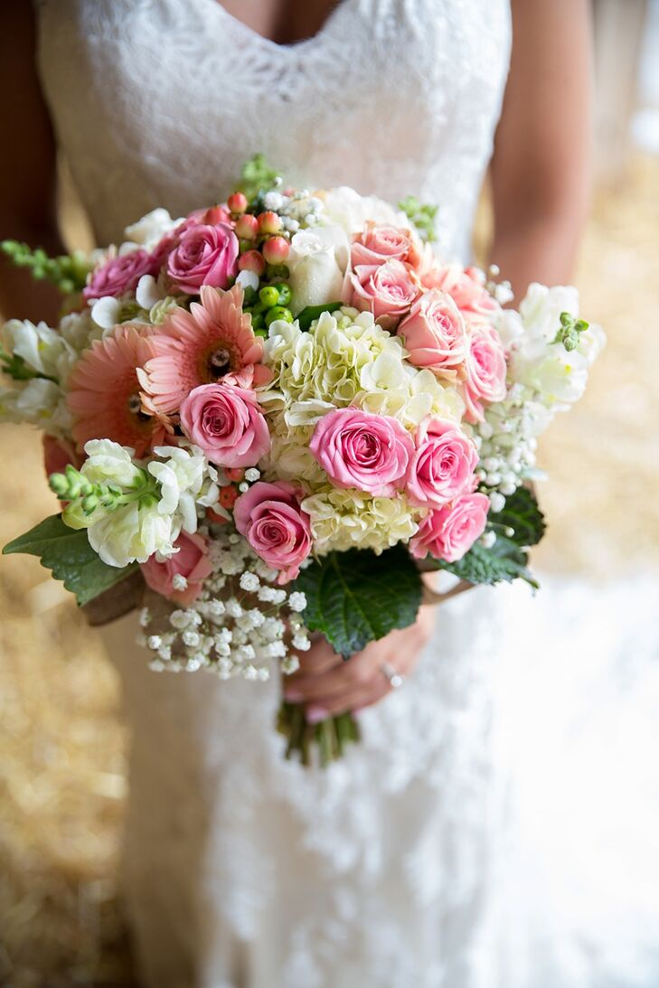 Gerber Daisy and rose bridal bouquet