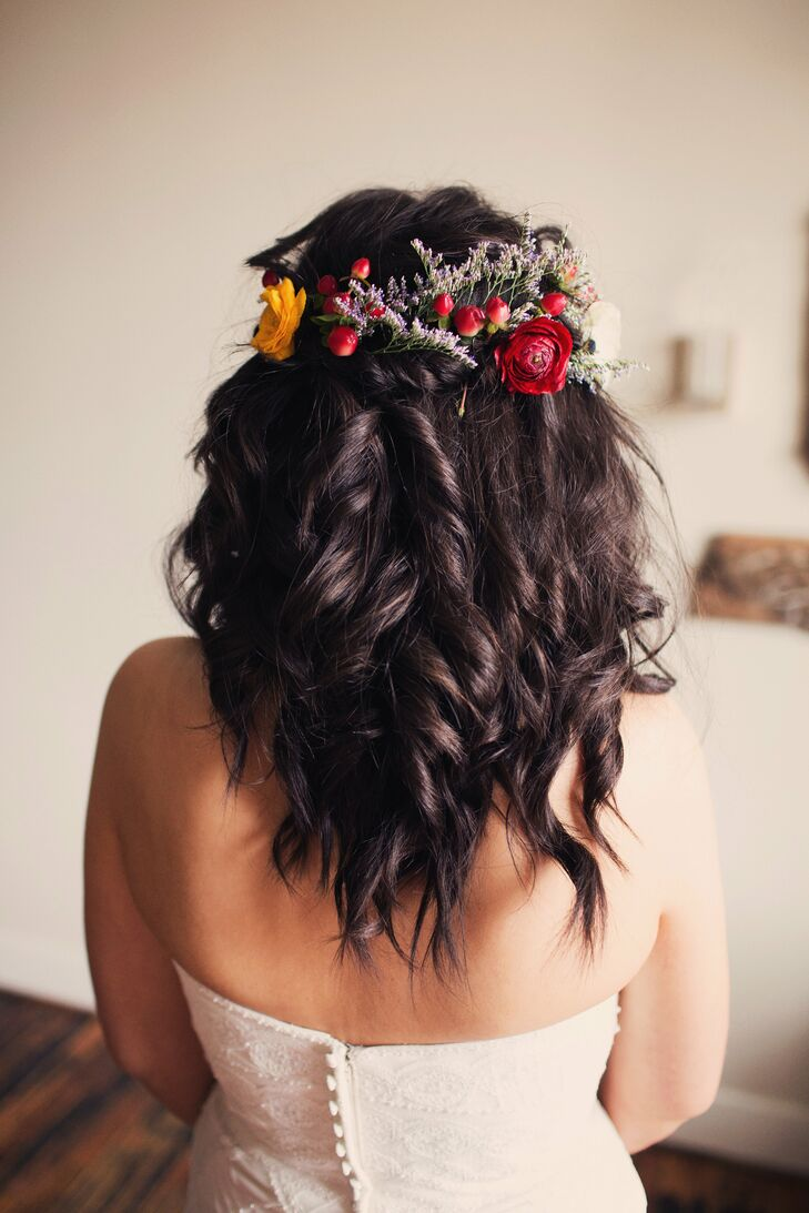 Justina's romantic flower crown perfectly matched her soft, loose curls.
