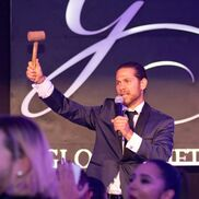 Los Angeles, CA Auctioneer | Benjamin Nathan-Serio AUCTIONEER · EMCEE