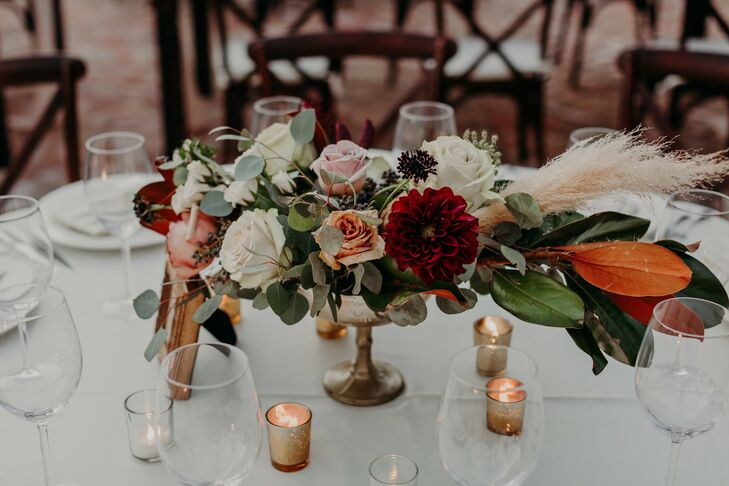 Burgundy-and-Green Centerpieces at Scottsdale, Arizona, Wedding