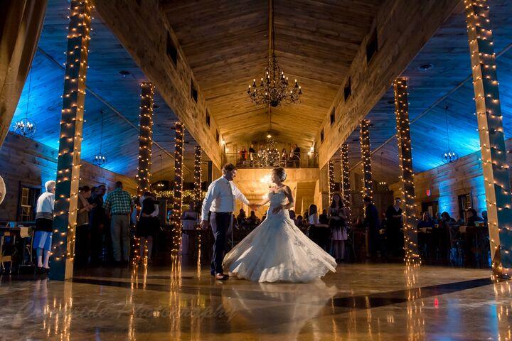 Minnesota Wedding Ceremony Locations: Creekside Farm Weddings & Events