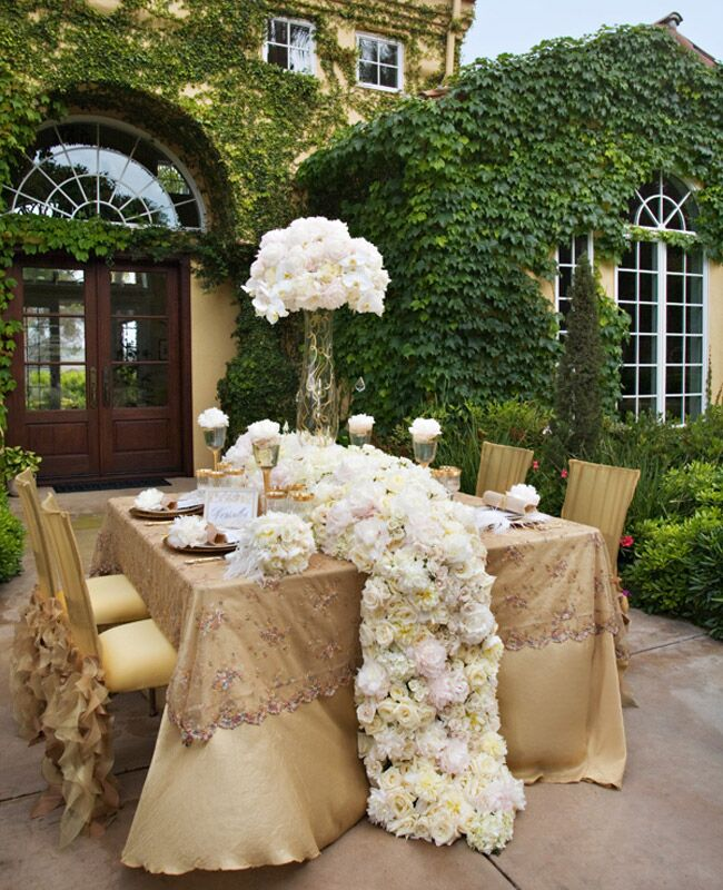 Wedding Table Flower Ideas: 9 Flower Table Runners You'll Love