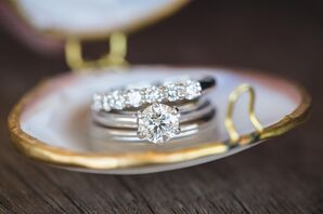 Wedding Rings in Gold Oyster Case