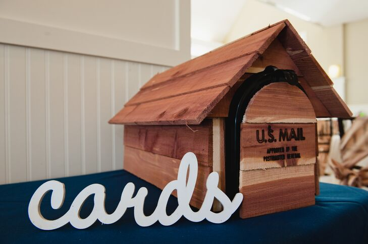 Wooden Mailbox Card Holder