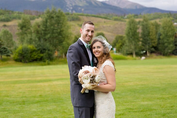 For their wedding, Melissa Eaton (25 and works in merchandising) and Dustin Hill (24 and works in sales) looked to the beauty of the Colorado landscap