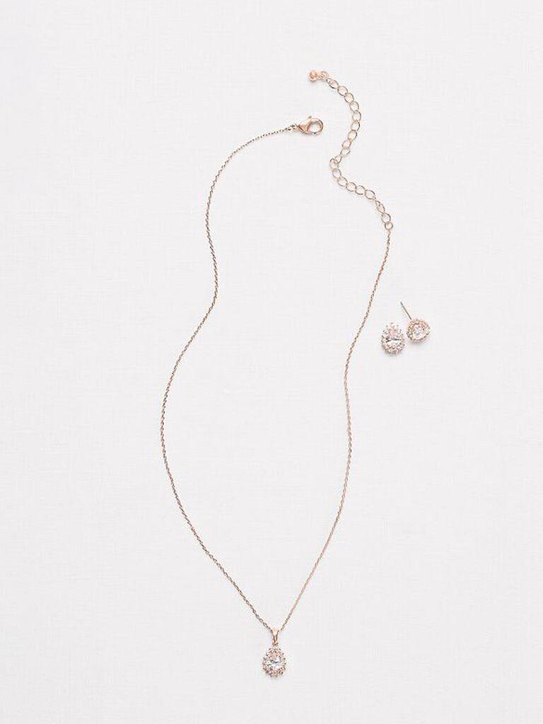 Teardrop gold wedding necklace set