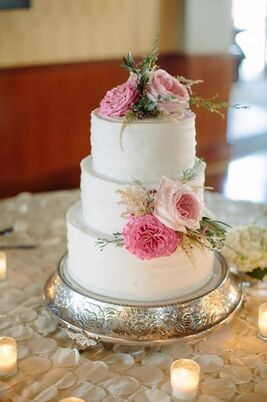 Wedding Cake Bakeries in Council Bluffs IA The Knot