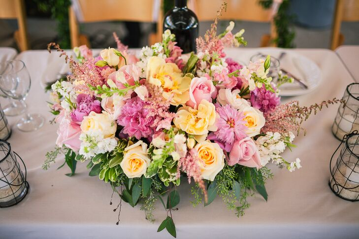 Lush Pastel Dining-Table Centerpiece