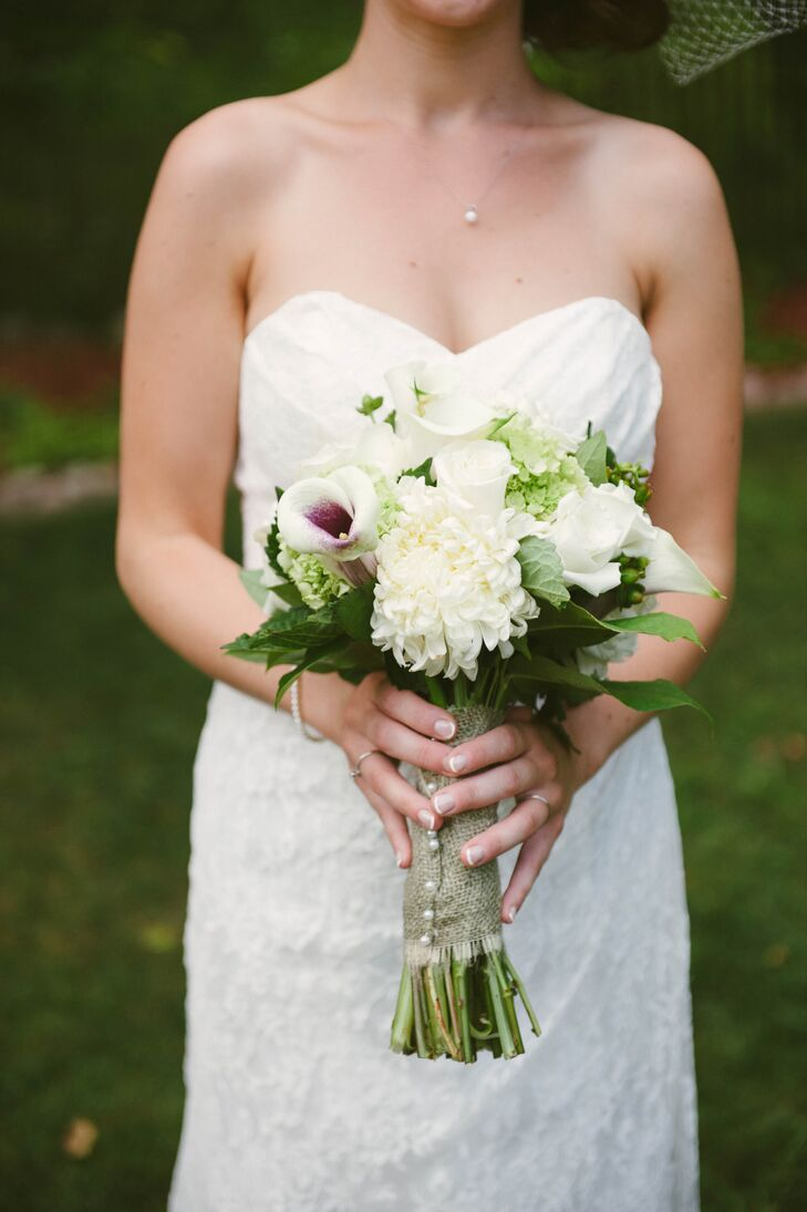 Katie credits Tara Florist for helping her stay within her palette and budget. She kept things elegant and inexpensive with this simple bouquet.