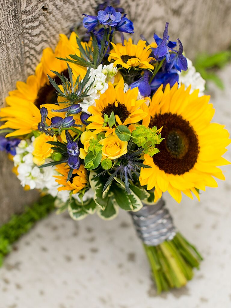 Charming Sunflower Wedding Bouquets