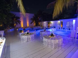 Magic City - The Oasis - Private Garden - Miami, FL