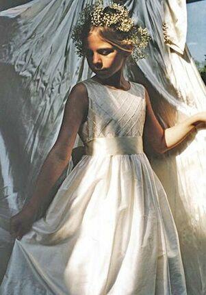 Isabel Garretón Diamond Ivory Flower Girl Dress
