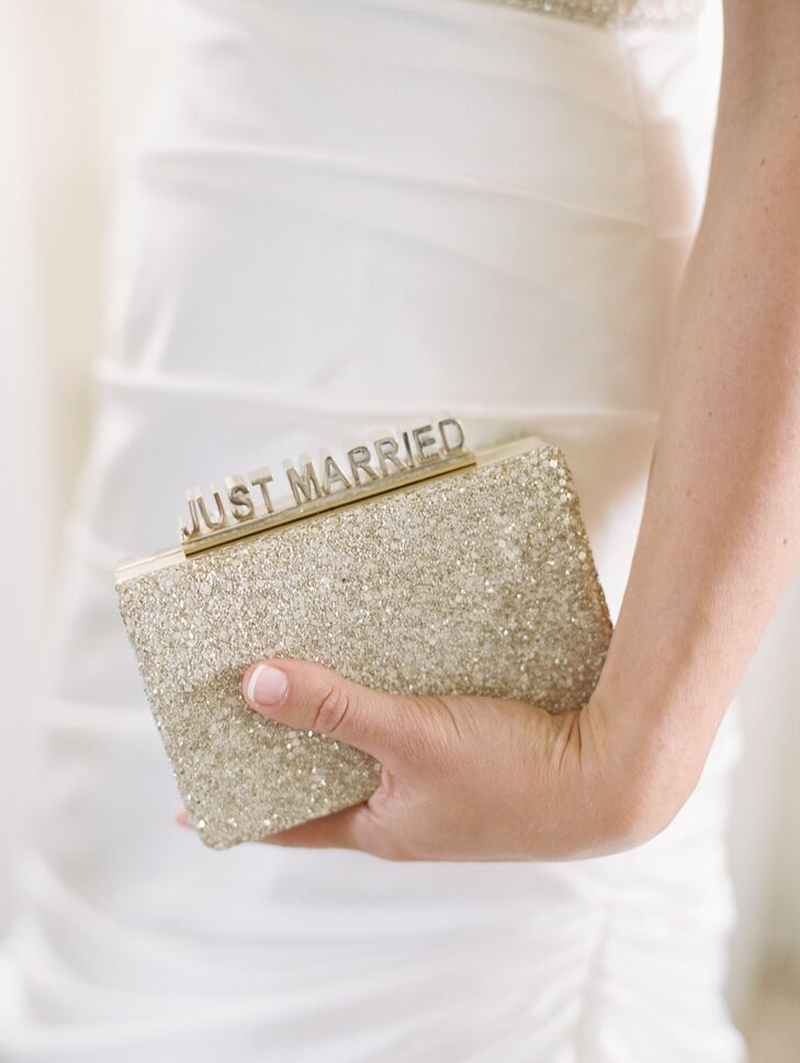 a433749699b726 Lauren accessorized with a glittery gold