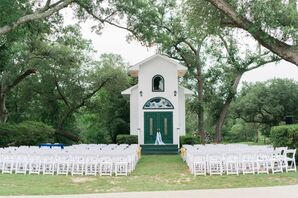All-White Oak Crest Mansion Inn Outdoor Ceremony