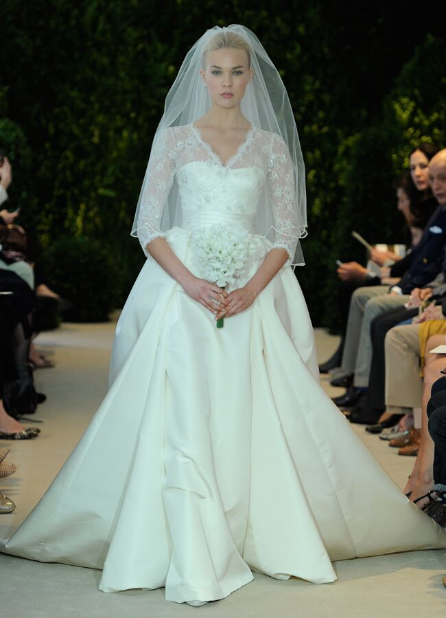 Holly Madison\'s Stunning Wedding Dress (Get the Look!)