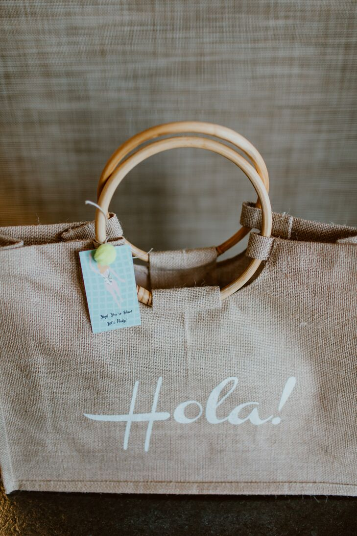 Burlap Welcome Bag with Spanish Greeting