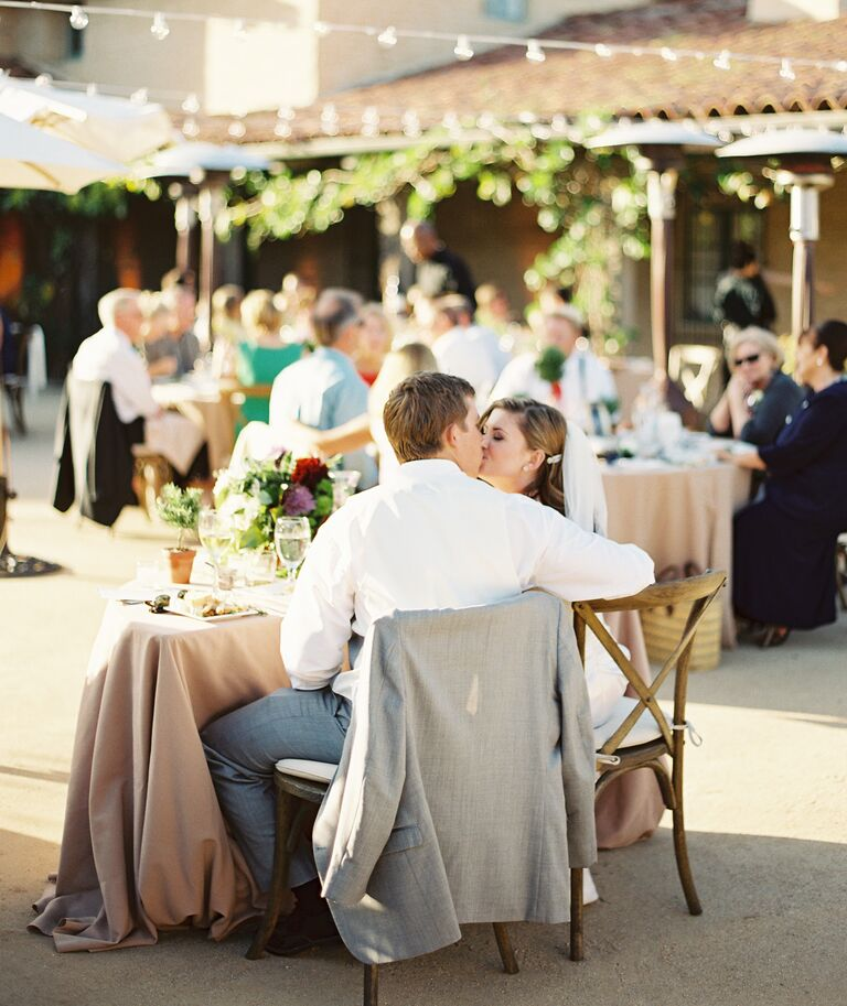 Ceremony Seating Reception: 7 Tips On How To Seat Your Wedding Reception Guests