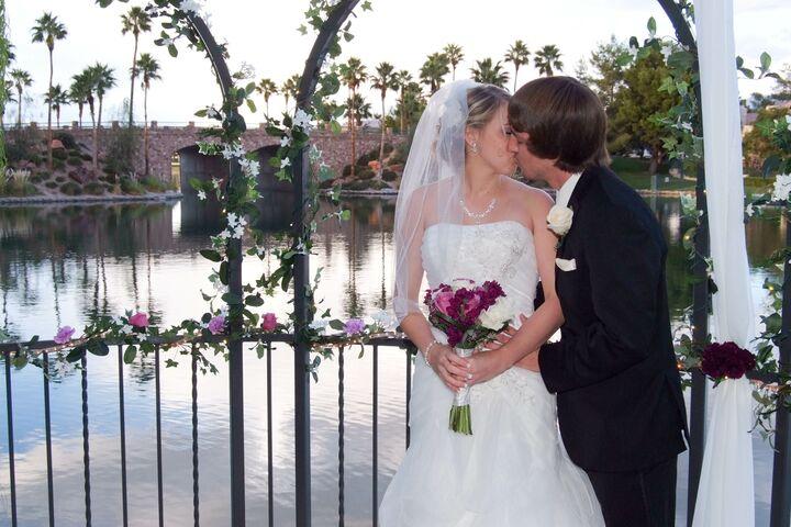 Lakeside weddings las vegas nv for Lakeside weddings las vegas