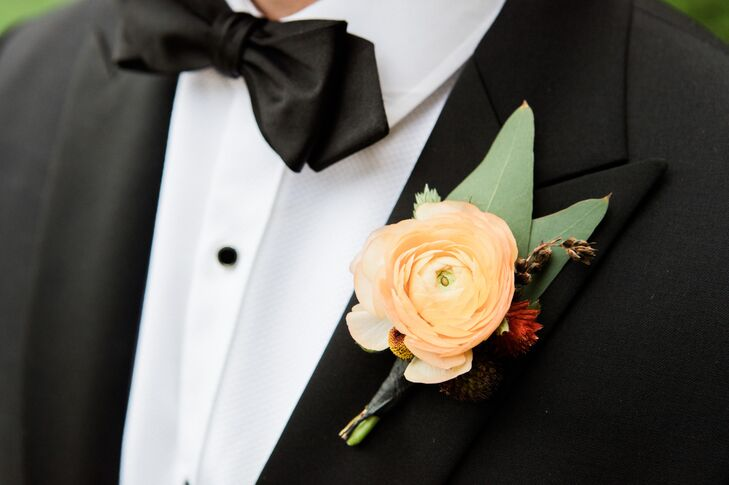 Dan accessorized his classic black tux with a bright ranunculus boutonniere.