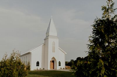 Howe Farms Wedding and Event Venue