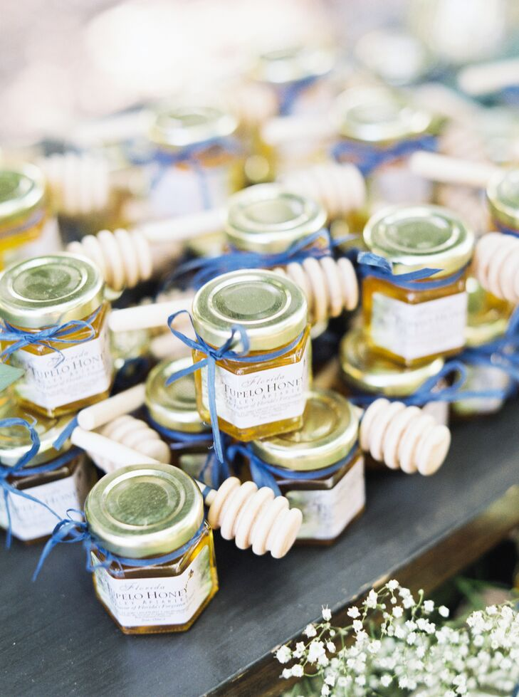 Local Honey Wedding Favors With Honeycomb Accents
