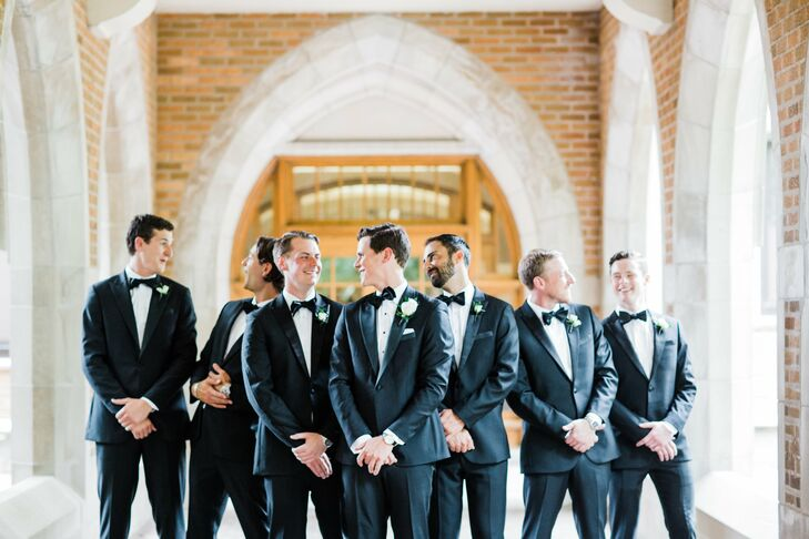 Jordan and his groomsmen donned classic black tuxedos from the Black Tux shop.