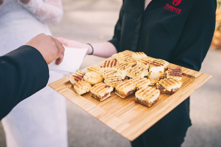 During cocktail hour, guests sipped on Dark and Stormy mixers and Kentucky Bourbon Barrel beer while snacking on egg rolls and panini.