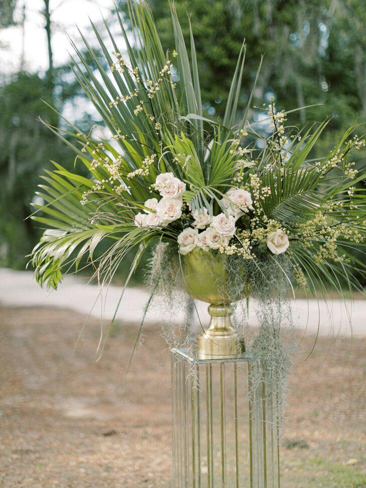 Aisle Marker Arrangement with Palm Fronds