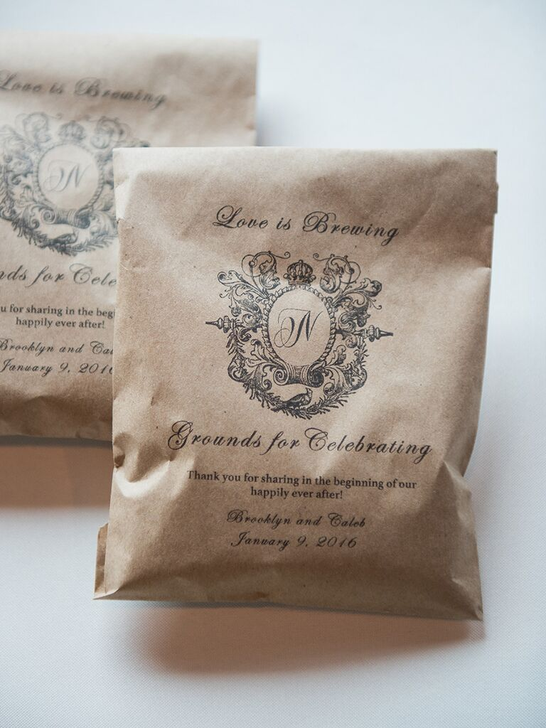 Coffee grounds for winter wedding favors