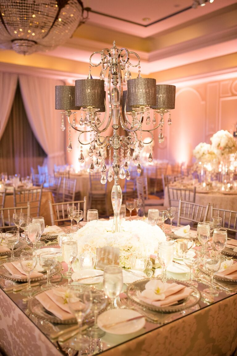 Monochromatic color scheme with tall centerpieces