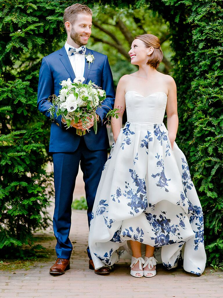 """10 things to do after picking out your wedding dress, like deciding on the """"something blue"""""""