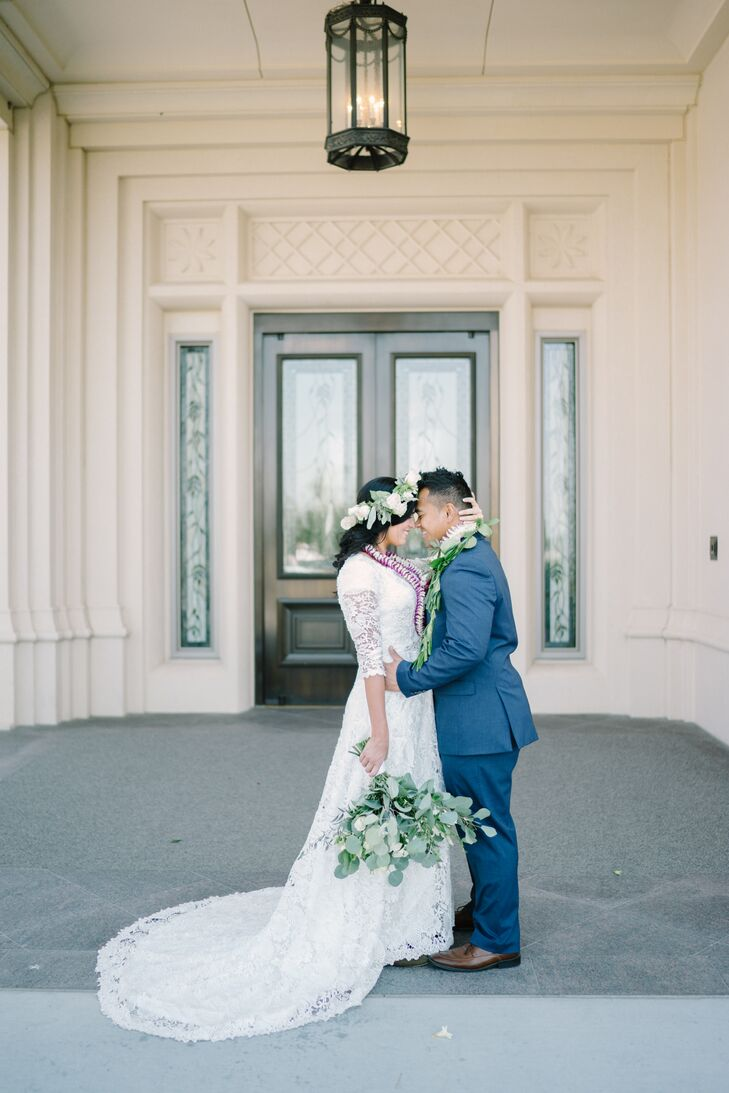 Vasa sported a navy suit with a vine-patterned tie for the traditional Mormon ceremony.  He and Kourtney also donned traditional Polynesian leis for the event.