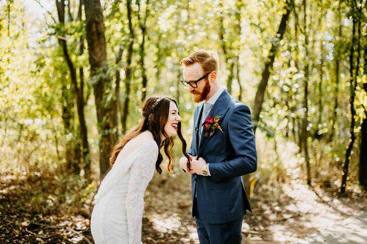 """Lindsay Fritts and Elliott Koskie combined modern and vintage details at their fall wedding. """"I have always been obsessed with all things vintage, so"""