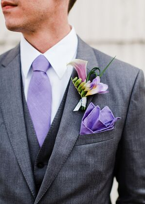 Pale Purple Tie and Calla Lily Boutonniere