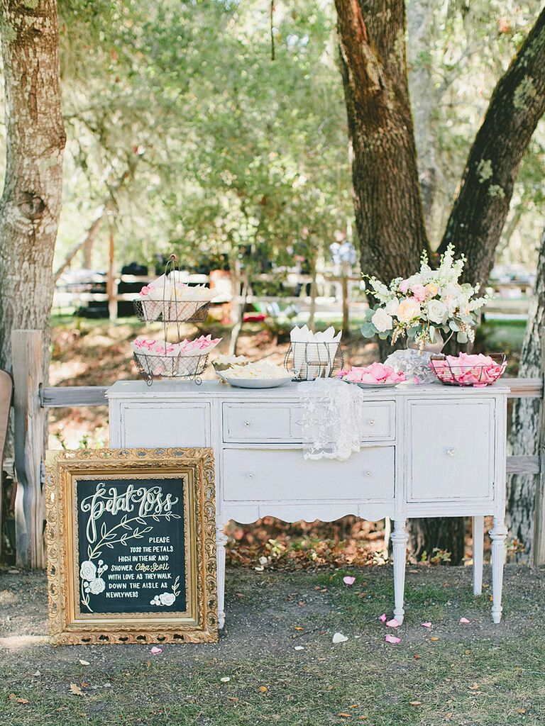 21 Creative Ceremony Decor Ideas You Haven't Seen Before
