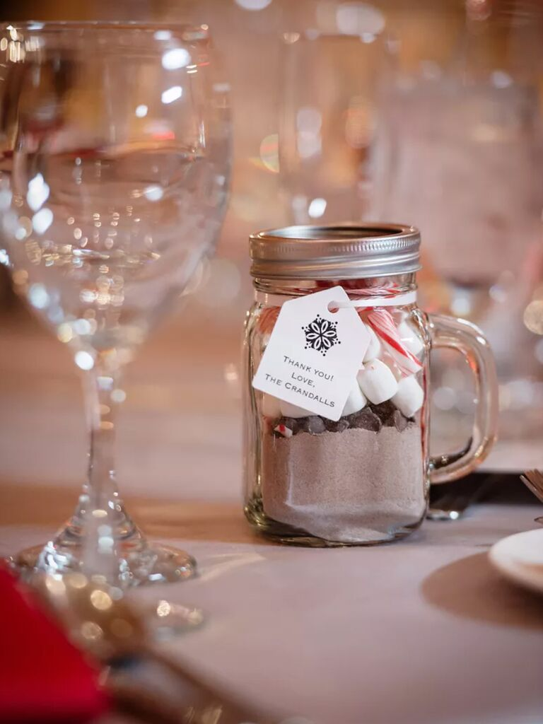 winter wedding ideas diy hot chocolate favors