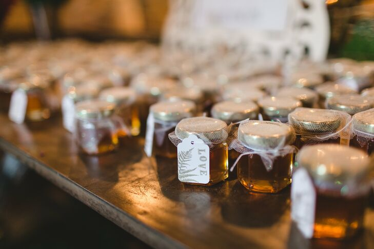 Sara filled jars with Round Rock Honey to give to guests as favors.