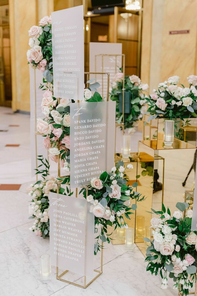 Glam 3D seating chart with roses and gold mirrors
