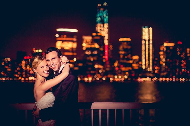 Gena Haugen (26 and a government employee) and Josh Stern (30 and an attorney) chose a theme that was simple and elegant, which fit perfectly with the