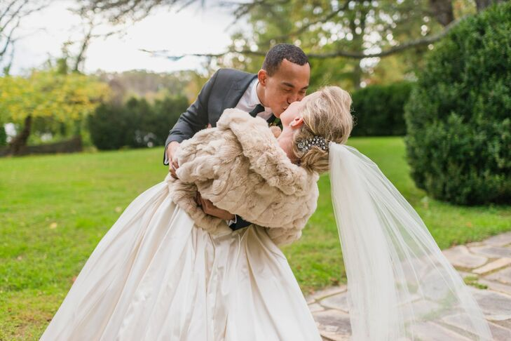 Katie paired her vintage-inspired gown with a taupe fur shrug, which added a touch of elegance and also helped her combat the chilly fall weather.