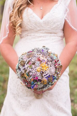 Eclectic Brooch Bridal Bouquet