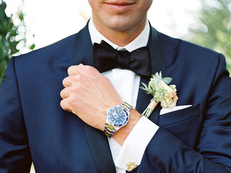 What to put in a groom's emergency kit