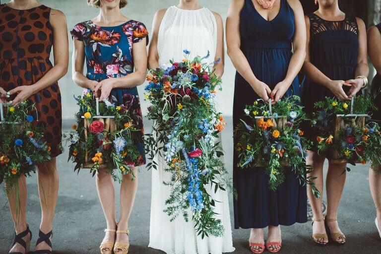 modern rustic wedding flower boxes bouquet alternatives