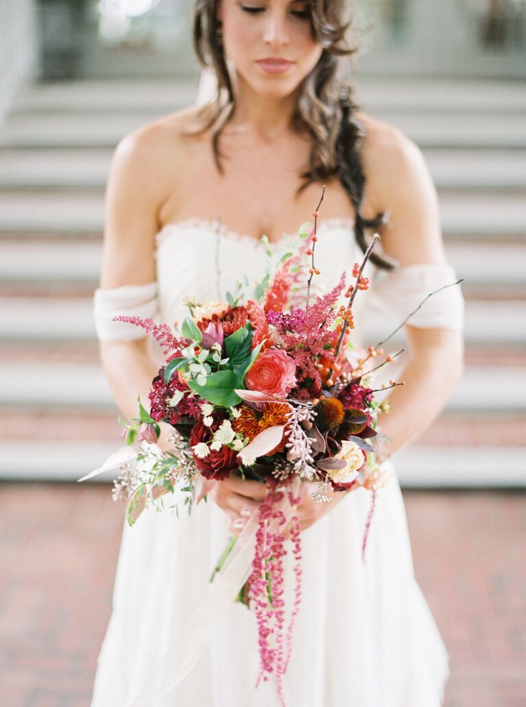 The 15 Best Fall Wedding Bouquets Which Flowers They Re Made Of