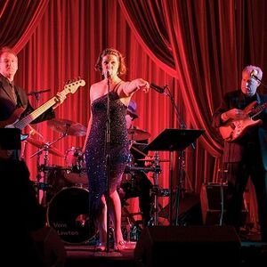 Houston, TX Variety Band | Professional Entertainment Bands & Performers