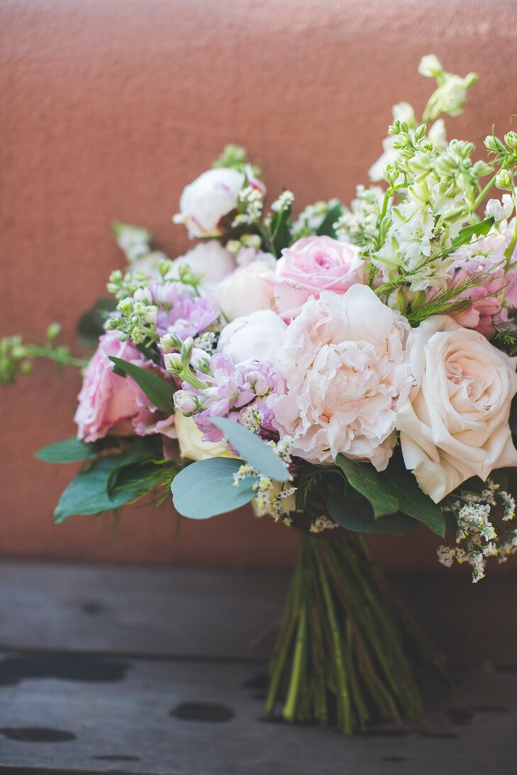 Rosalyn Loves Roses And Peonies, So Her Pink And White Bouquet Featured The  Blooms Along